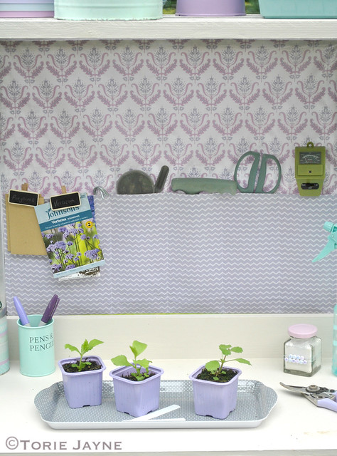 Greenhouse hanging pocket tidy 3
