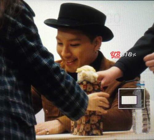 YB-HongKong-Fansigning-20141215-11