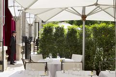La-Reserve-Paris-Hotel-and-Spa-Terrasse-2