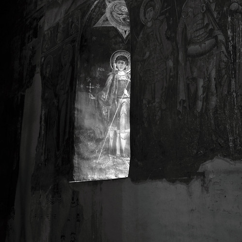 biserica domnească târgoviște church architecture arhitectura orthodox targoviste târgovişte wallachia muntenia tara romaneasca orthodoxy ορθοδοξία ορθόδοξοσ light lumina romania old royal princely court curtea domneasca interior icoana icon icoane icons ortodoxa ortodox mural murals fresco fresca frescoes eikōn iconography iconografie sfant saint window fereastra painting pictura art arta istorie history noncoloursincolour romanian lmidbiima1723707 eastern romana ortodoxă română bor clădire arhitectură fotografie de photography photo photos patrimoniu monument иконография