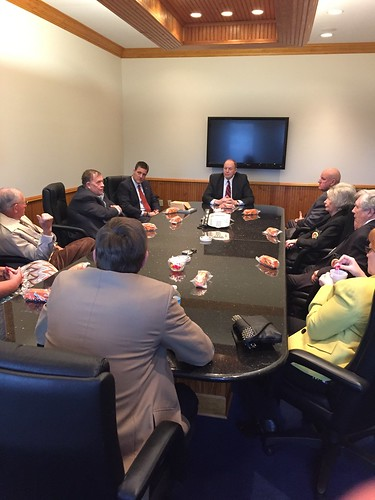 Senator Shelby visiting Coleman World Group in Dale County.