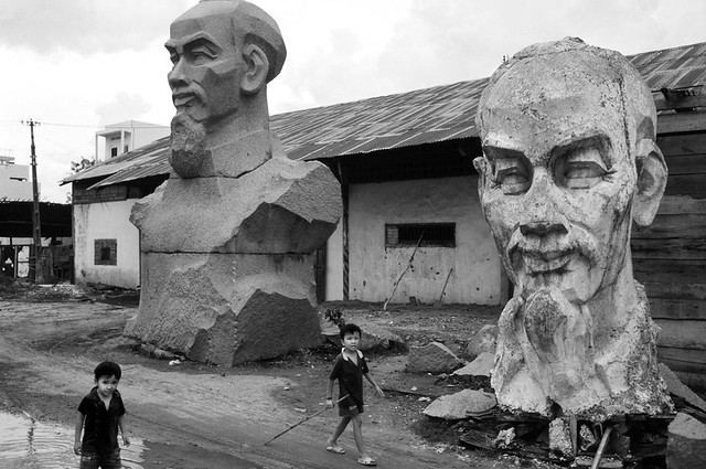 1993 Ho Chi Minh City. Discarded busts of 'Uncle Ho' - Photo by Philip Jones Griffiths
