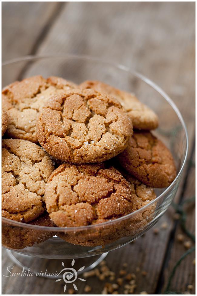 Medaus ir žemės riešutų sviesto sausainiai (5)