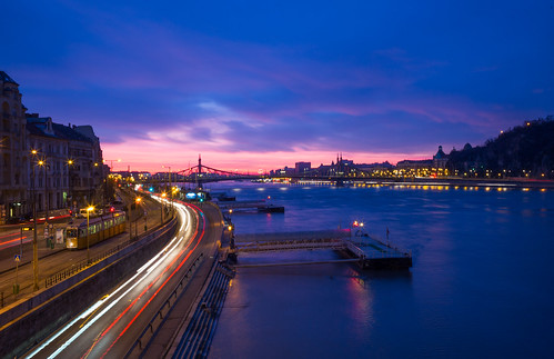 leica 35mm hungary budapest summicron bluehour 3seconds