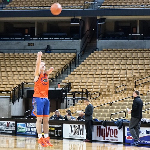 zach-hodskins-basketball-practice