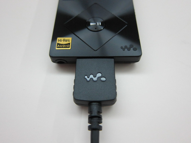 Sony NWZ-A15 - With Proprietary Cable