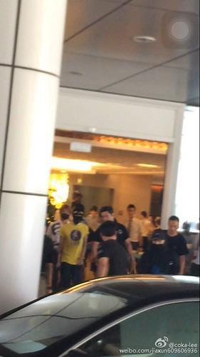 more BIGBANG arrival Shenzhen 2015-08-07 (10)