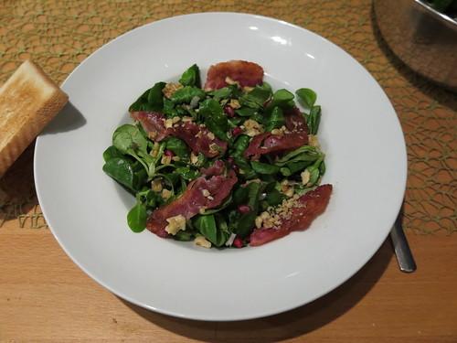 Feldsalat mit Granatapfel, Walnuss und Speck (= der vorerst letzte Dienstagssalat aus dem Luftschlösschen)