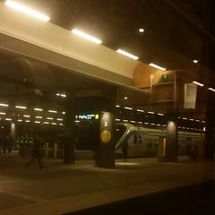Åker #tåg norrut. Efter 40 minuter har vi kommit till förorterna i norra #Stockholm.