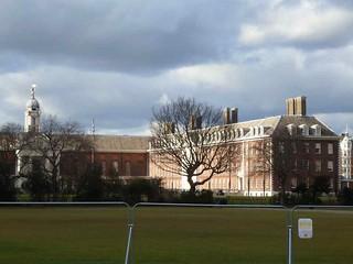 P1100139 Chelsea Royal Hospital, facing Thames Embankment SW3