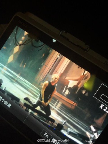 Taeyang-GoldenDisc-Awards-mainshow-20150114-creditonpicl-1