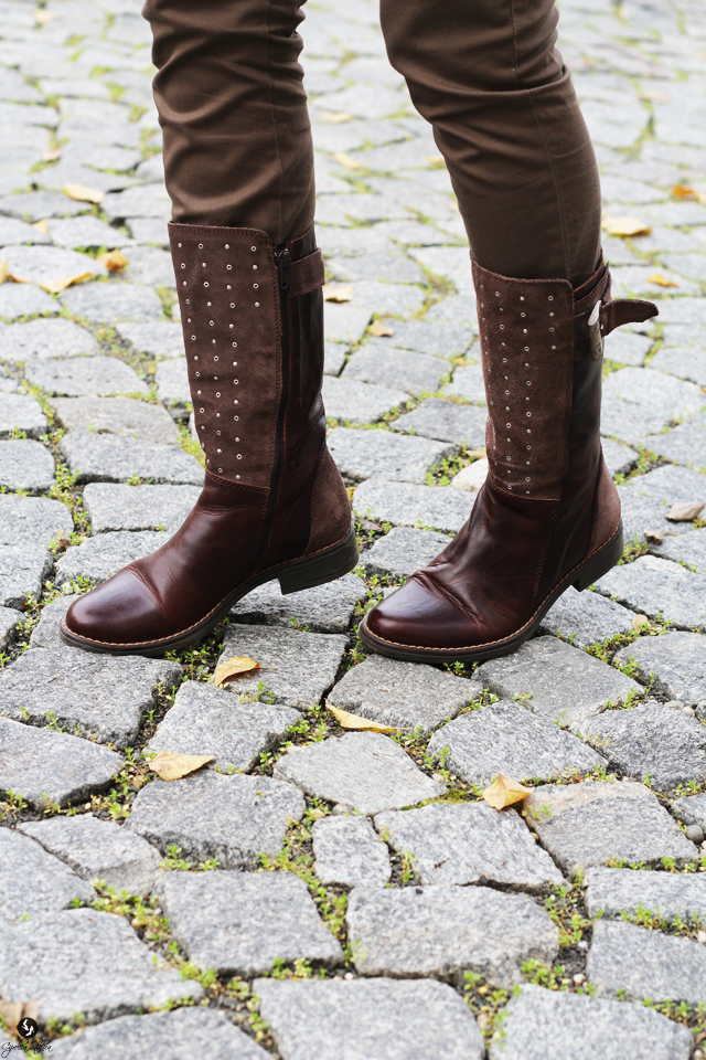 these-boots-are-made-for-walking-cipelica-stiklica-3