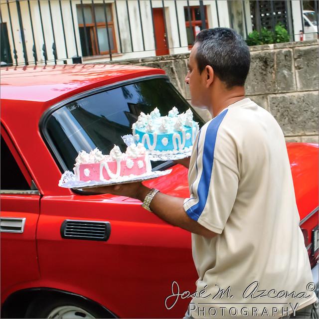 La Habana (Cuba). Visto en la calle. Servicio a domicilio.