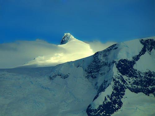 snow argentina sunrise colours ridge montain elcalafate glaciarupsala