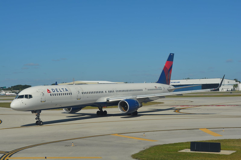 Delta Air Lines BusinessElite /First Class 747-400 Domestic Nov30