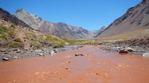 Les eaux rouges de l'Aconcagua