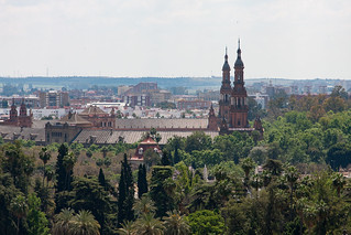 Image of Cathedral of Seville near Triana. foreveryoung2016jerez foreveryoung sevilla andalucía spain es