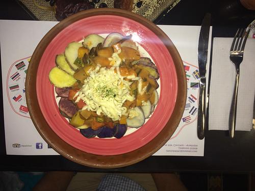 Arequipa: 9 sortes de patates avec une ratatouille