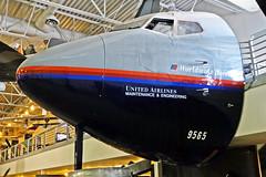 Cockpit of 737-222 N9065U