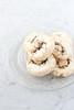 Biscotti di meringa arrotolata alle mandorle