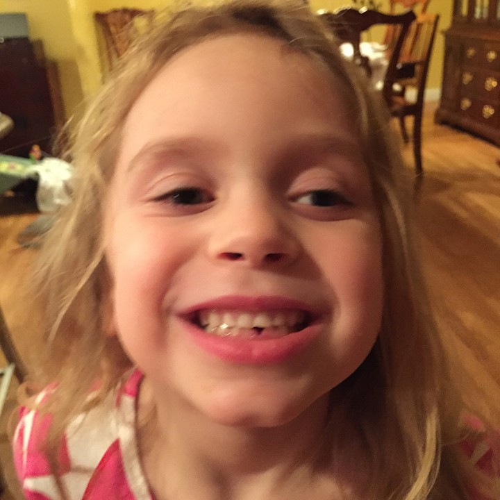 Paige lost her first tooth today! #firsttooth #meandwee #milestones