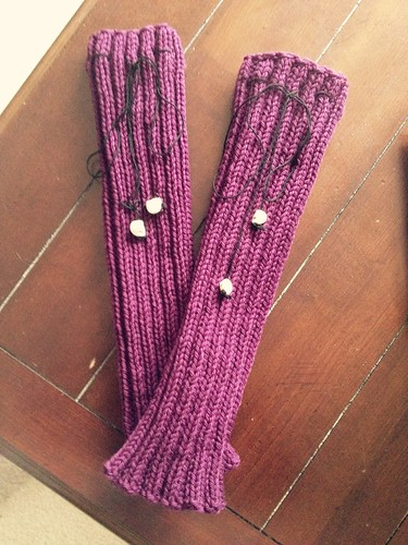 Finished Goth-Stonian leg warmers