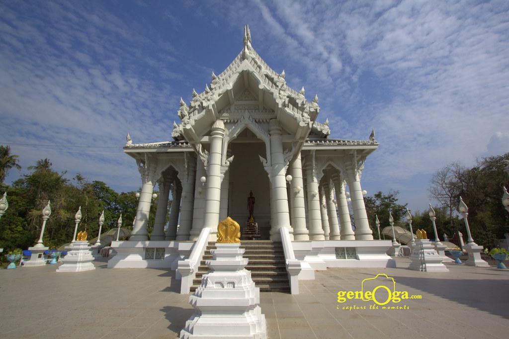 Kaewkorawaram Temple in Krabi Town