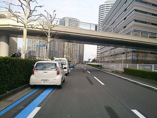 Yokohama`s latest half-assed ちゅと はんぱ attempt at a bike lane