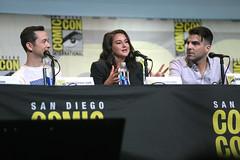 Joseph Gordon-Levitt, Shailene Woodley & Zachary Quinto