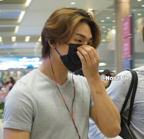 Daesung-Incheon-backfromShanghai-20140831(106)