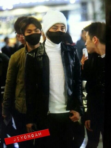 gdragon_airport_140411_010