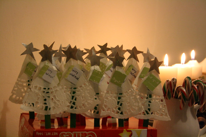 paper dollies christmas tree