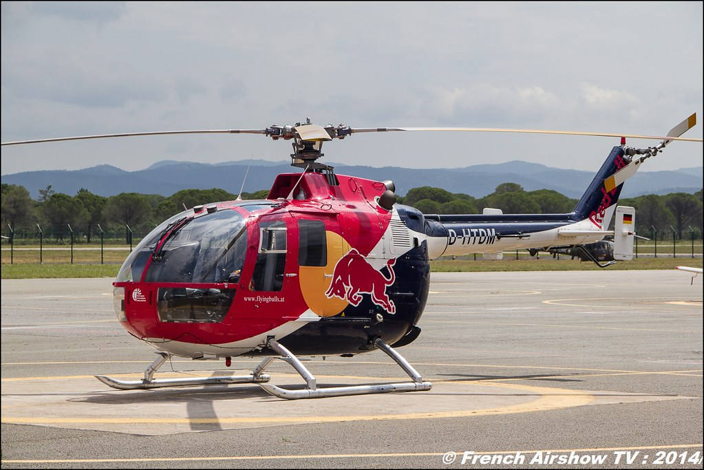 BO-105 Red Bull , Flying Bulls acrobatic flight helicopter Meeting des 60 ans de l'ALAT 2014 ,Cannet des Maures