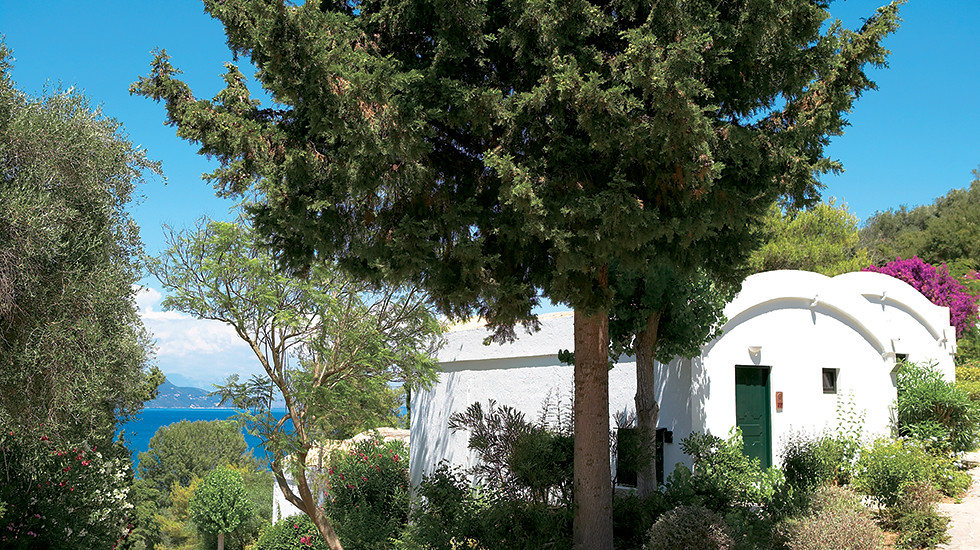 12-natural-shaded-hotel-in-corfu-6455