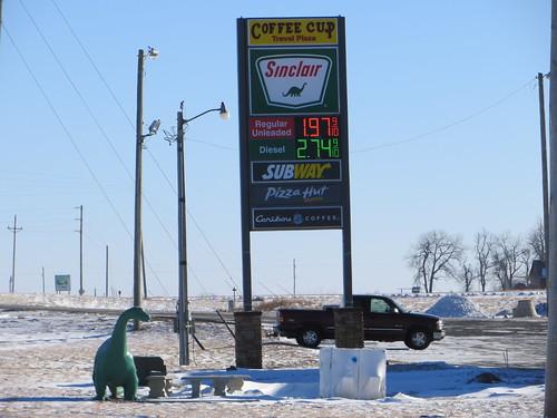 southdakota dinosaur signage gasoline sinclair usroute12 coffeecuptravelplaza