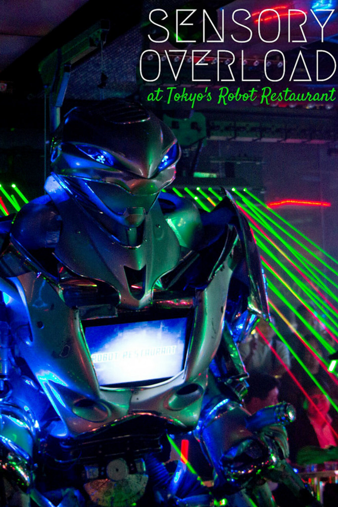 tokyo-robot-pin
