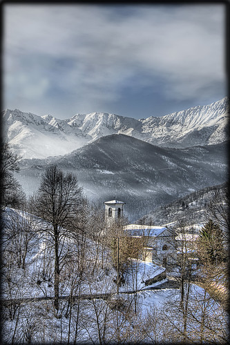 nuvole chiesa neve hdr angrogna