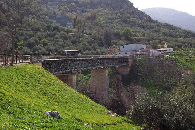 El viaducto de Zuheros. © Paco Bellido, 2006