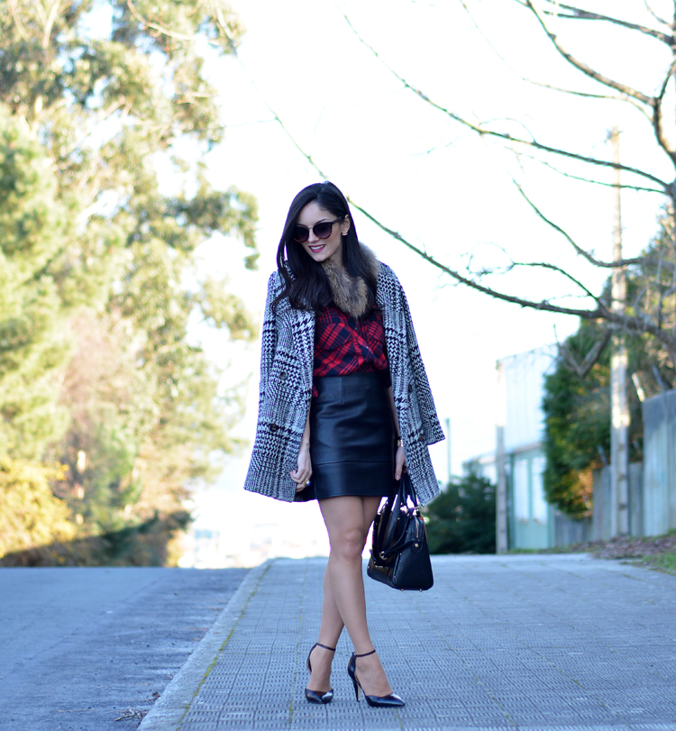 Zara_plaid_ootd_inspiration_outfit_skirt_leather_coat_fur_08