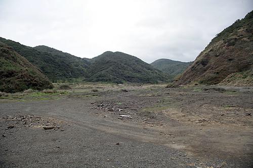 過了這片溪谷才算進入阿塱壹的管制範圍。攝影:朱雲瑋