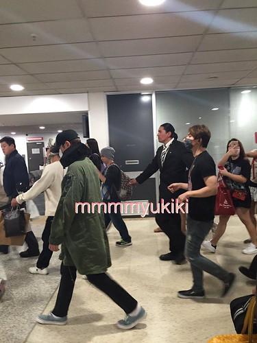 BIGBANG arrival Melbourne 2015-10-20 (22)