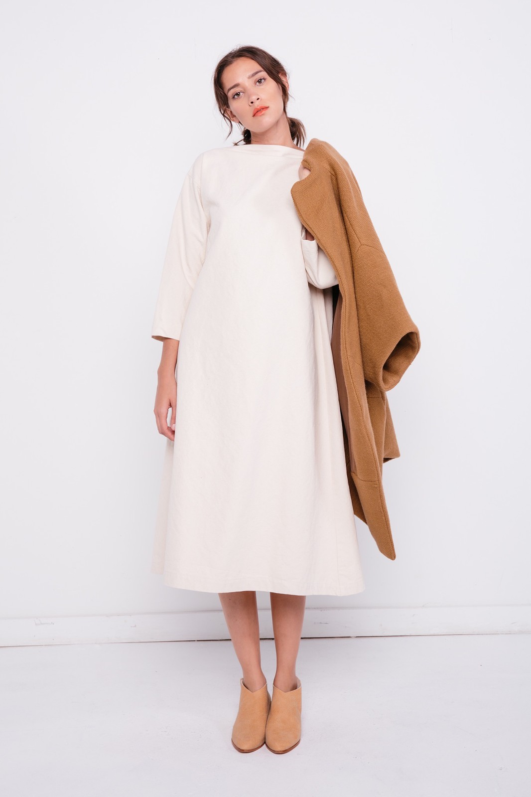 05-elizabeth-suzann-product-cocoon-coat-camel-heavy-wool