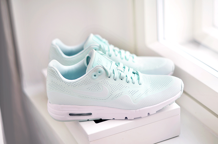 ssneakers2