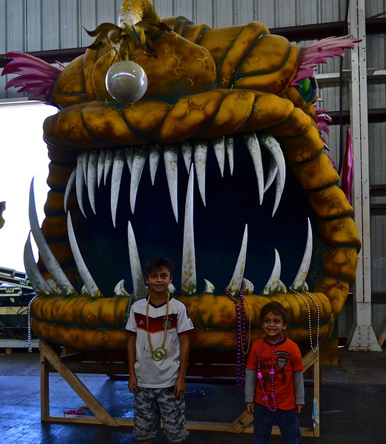 Mardi Gras World New Orleans - big toothed float