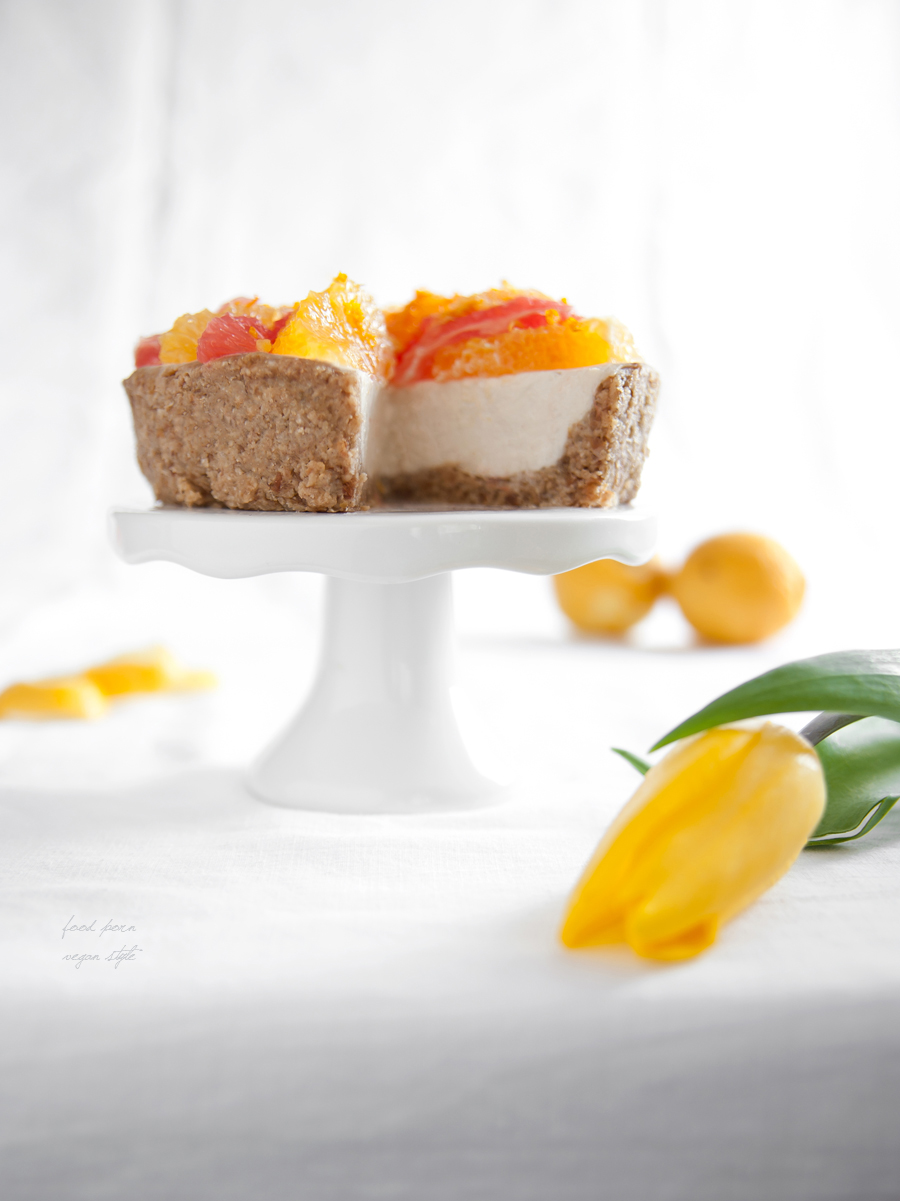 Vegan lemon tart (no bake)