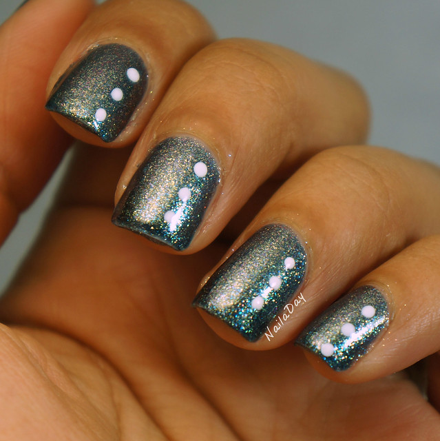 NailaDay: Sinful Colors Winter Wonder with dots