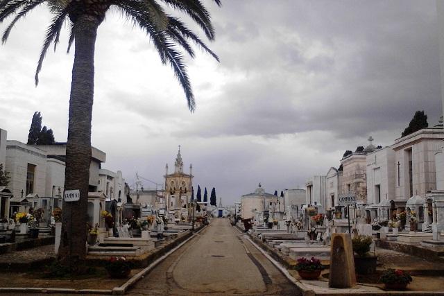 Noicattaro. Cimitero front