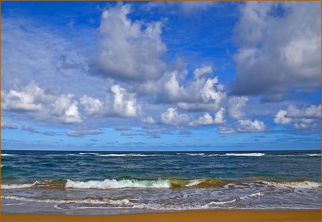 Lihue Beach at Midday Kaua'i (HI) October 2014