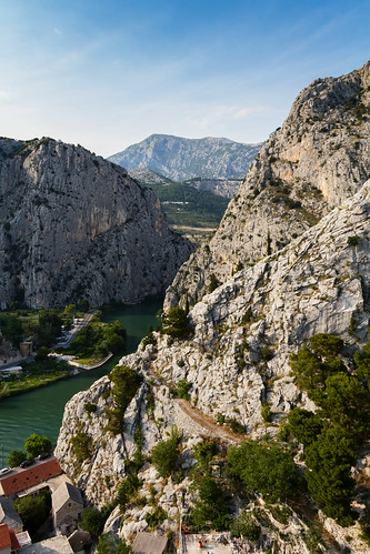 summer vacation mountain holiday river town croatia canyon valley theoldcity dalmatia omis