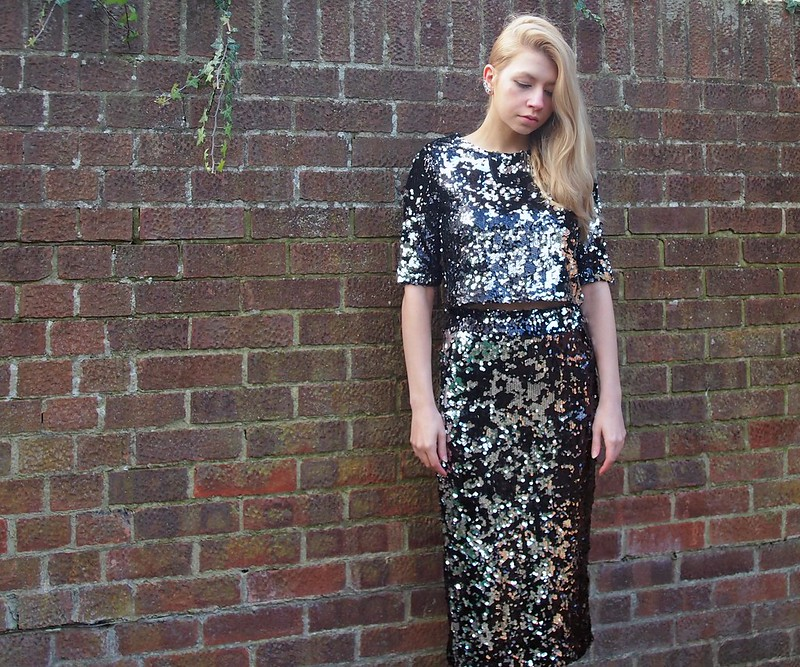 Crop Top, Midi Skirt, Pencil Skirt, Sequins, Silver, Pewter, Boohoo, AW14, Styling Inspiration, Outfit Ideas, UK Fashion Blog, London Style Blogger, Sam Muses